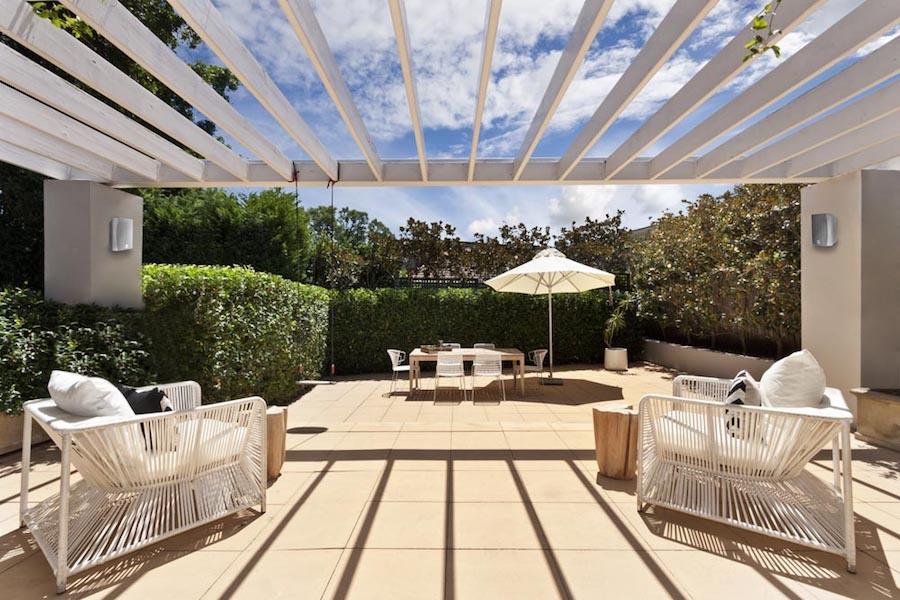 Spend More Time Al Fresco with an Outdoor Entertainment System